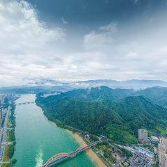 新安江60年一遇泄洪